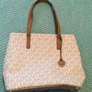 NWOT Michael Kors bag